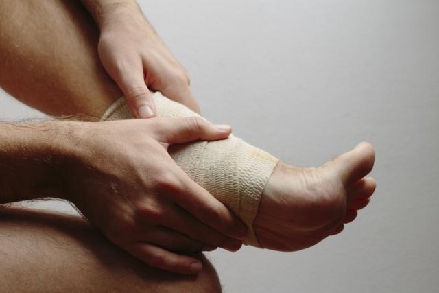足首の捻挫したことによる姿勢の崩れ