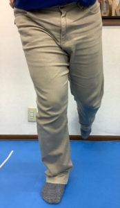 膝が内側に入り、つま先が外に向いた膝の曲げ方