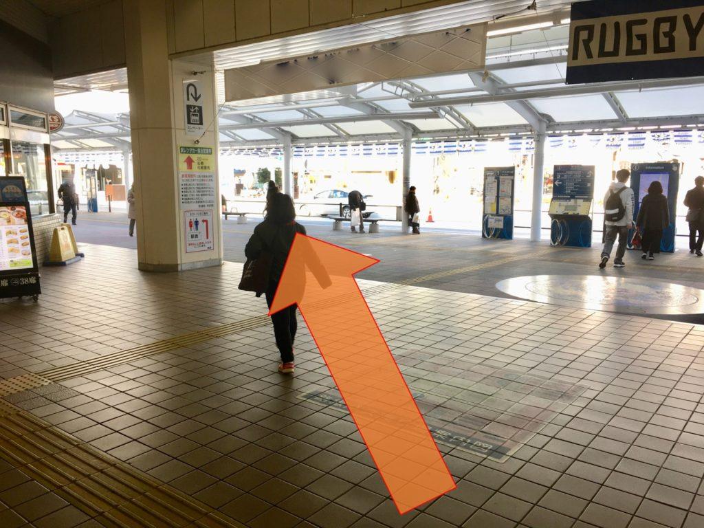 熊谷駅北口からバス停へ