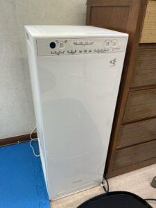 新型コロナウイルス感染予防対策として空気清浄機を導入しました。営業中は常に稼働させています。ダイキン製のものになります。