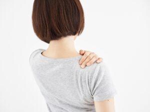 楽器演奏後の肩の張りを感じたまま演奏を続けると胸郭出口症候群や腱鞘炎、ばね指になりやすくなります